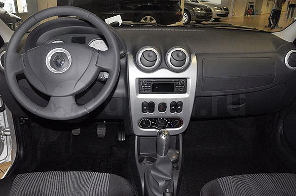 """Renault Logan комплектации """"Престиж"""" 2009 года"""