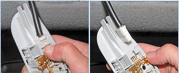 Нажимаем на фиксатор и, отсоединив колодку проводов, снимаем плафон освещения салона.