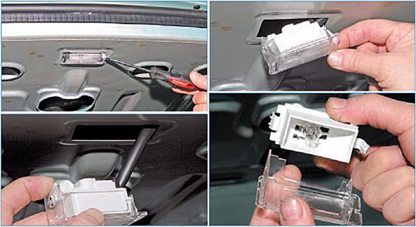 Отверткой поддеваем плафон и вынимаем его из отверстия в задней полке. Отжимаем пластмассовый фиксатор и снимаем рассеиватель плафона.