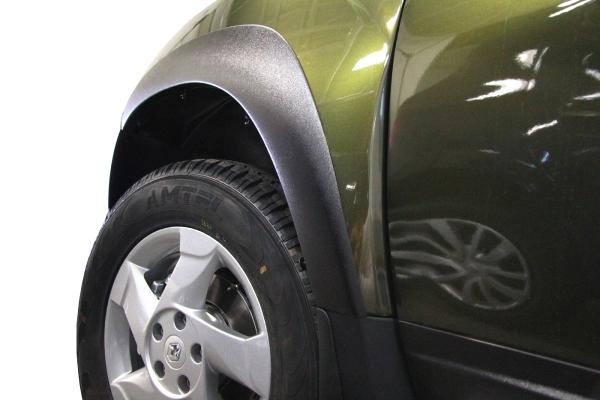 Накладки на крылья Renault Duster