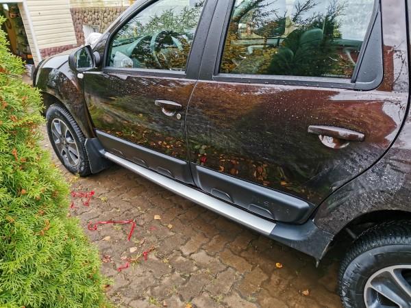 Накладки на двери Renault Duster