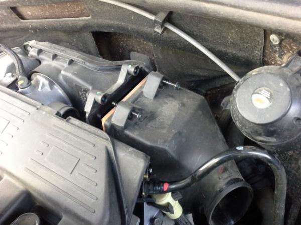 Меняем воздушный фильтр на бензиновом Duster