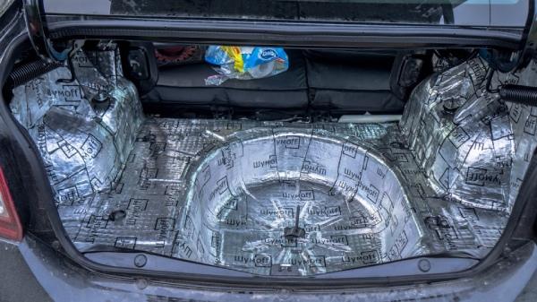 Шумоизоляция багажника Renault Logan