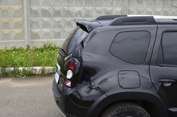 Задний спойлер на Renault Duster