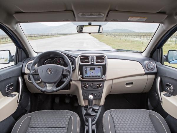 Интерьер Renault Logan 2
