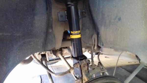 Меняем задние амортизаторы Renault Duster 4х4