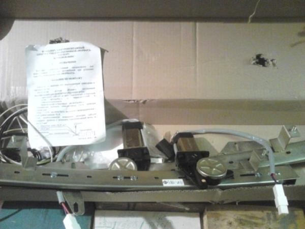 Устанавливаем стеклоподъемники на Duster