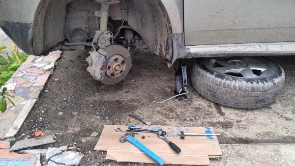 Замена рулевых наконечников на Duster