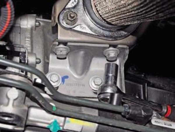 Демонтируем коробку передач Duster