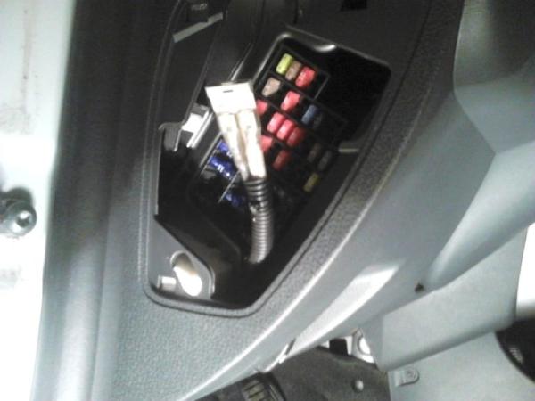 Монтируем кнопку и подключаем электрику Duster