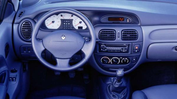 Renault-Megane-I-3