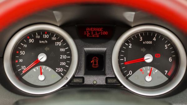 renault-megane-kabriolet-panel-priborov